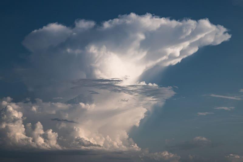 壮大な積乱雲