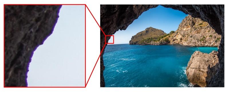 洞窟から撮った海の写真に現れるパープルフリンジ