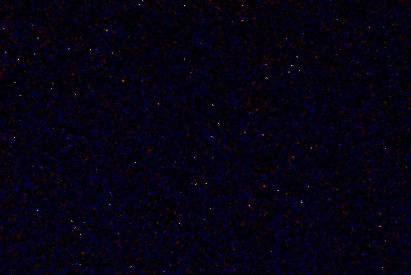 暗闇に浮かぶ多数のダークノイズ