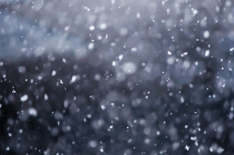 望遠レンズで降雪をキレイに撮った写真