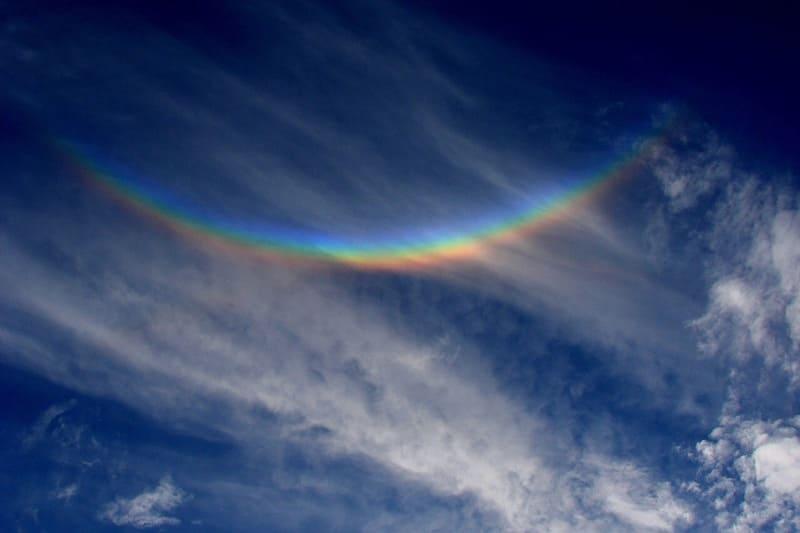 巻層雲に現れた環頂点アークの写真