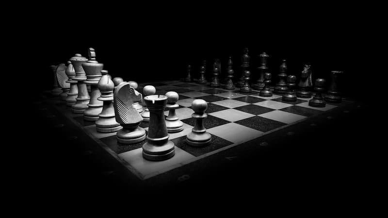 モノクロのチェス盤の写真