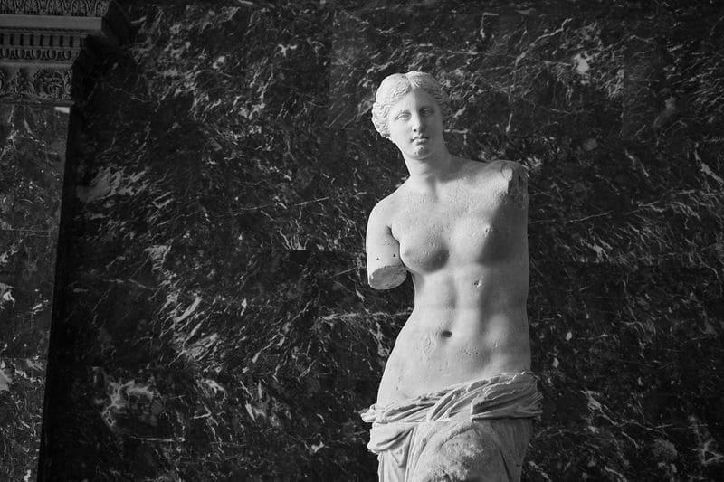 ミロのヴィーナスのモノクロ写真