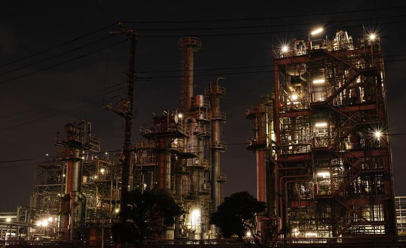 絞りを絞って撮った工場夜景
