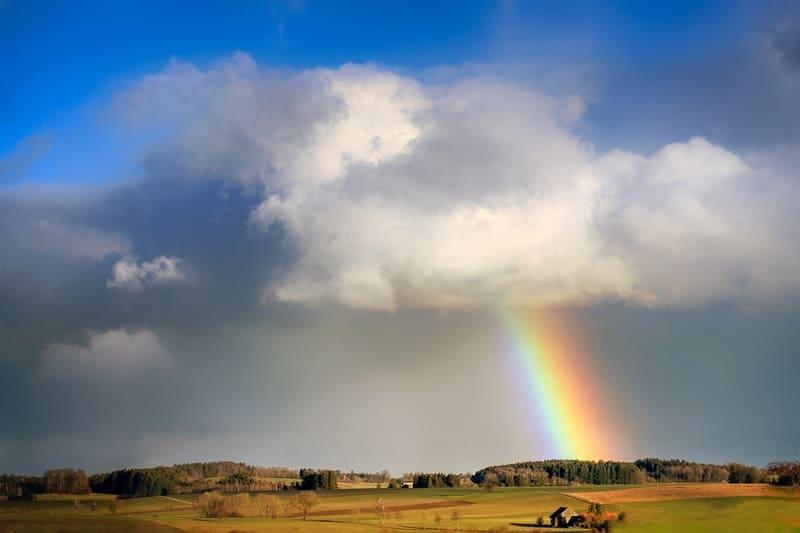 夕立後のきれいな虹