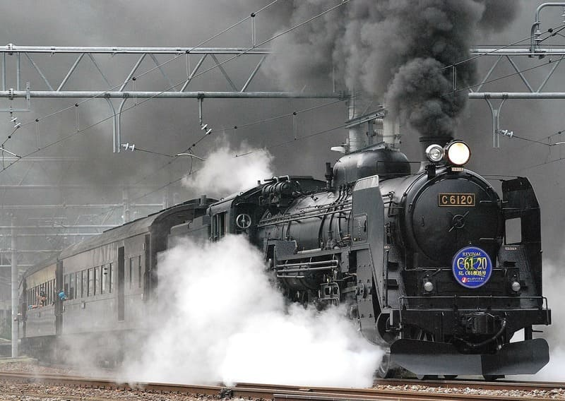 圧縮効果の表れた機関車