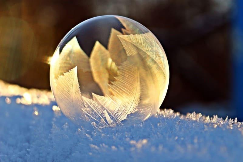 凍りついたシャボン玉