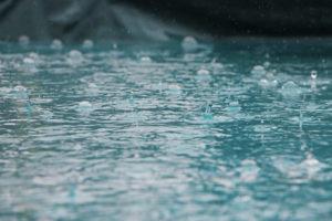 カメラを雨から守る方法と雨を楽しむ撮影方法!雨の日もカメラを持って出かけよう!