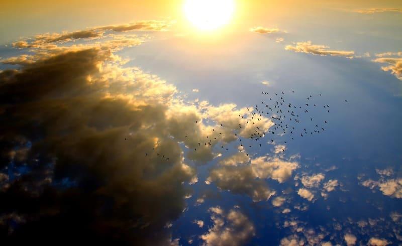 超広角レンズで撮った夕焼けと空