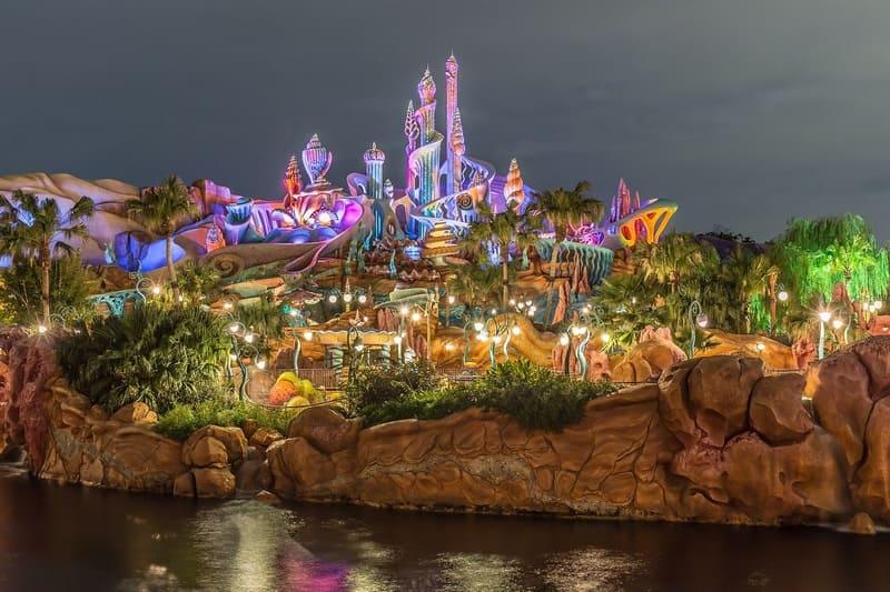 ディズニーの素敵なライトアップ