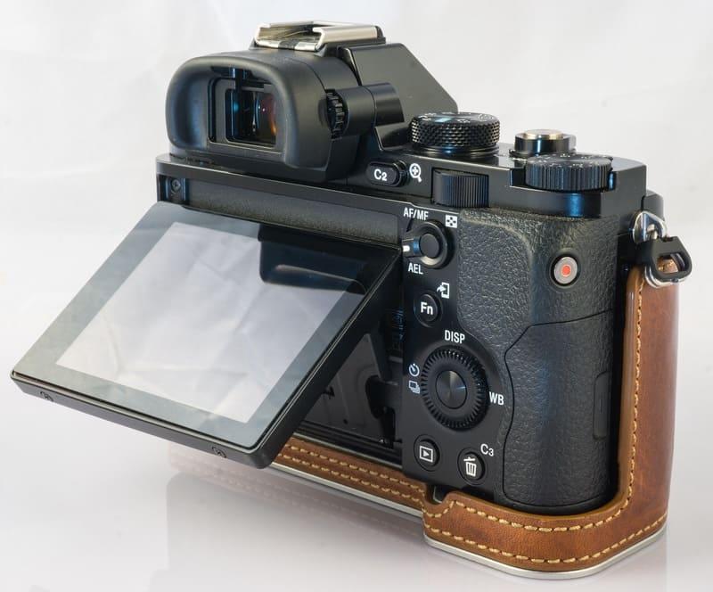 チルト液晶対応のデジタルカメラ