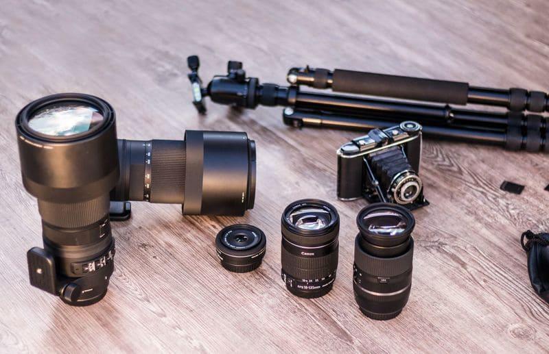 カメラやレンズ、三脚