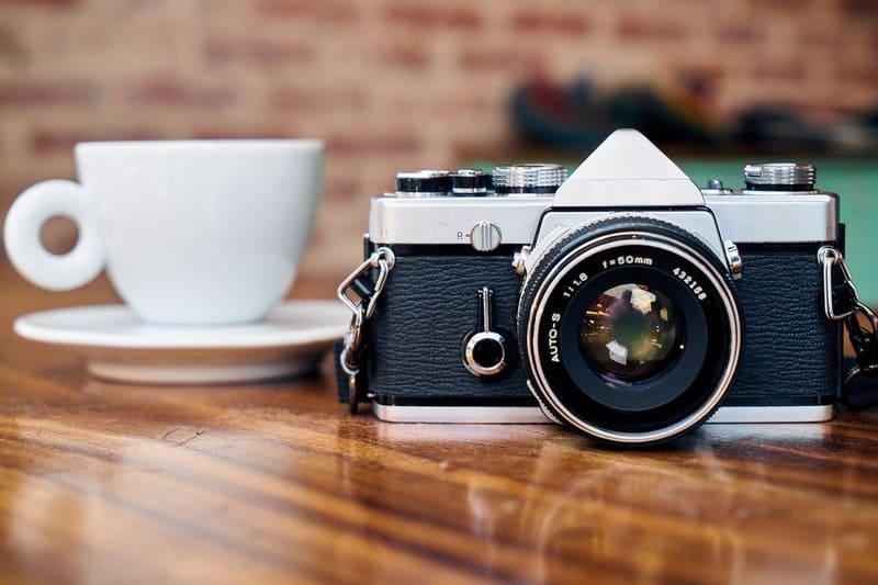 カメラとカップ